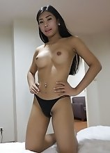 20yo busty Thai newhalf does a striptease for white tourist